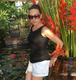 Mujer Soltera Busca 1 Online